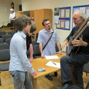 16.John Doan Harp Guitar Moscow lecture after