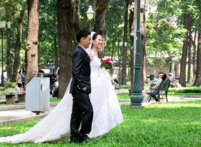 12. Wedding Photos in the Park